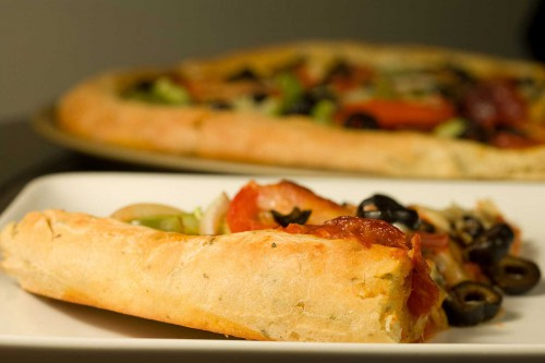 herb-and-sun-dried-tomato-pizza-crust__1381517840_66.80.123.2