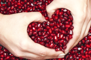 reasons to eat pomegranates